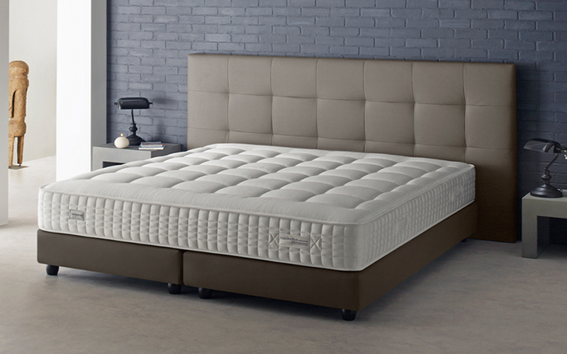 ensemble matelas sommier sosturista. Black Bedroom Furniture Sets. Home Design Ideas
